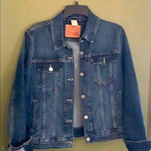 NWOTLevi's classic jeans jacket